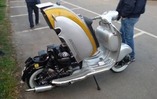 Lambretta Custom Bergamo 01 sollevamento scocca